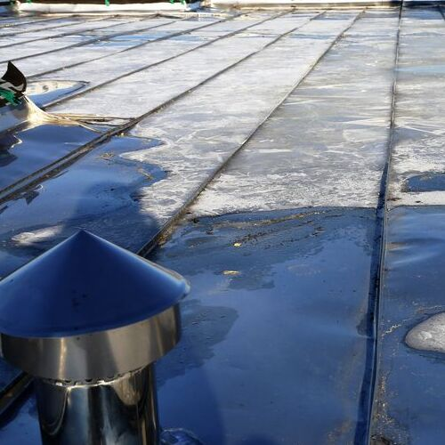 A Commercial Roof in Need of Maintenance.