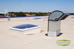 4 Signs Your Commercial TPO Roof Needs Repairs